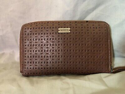 ROXY Womens Medium Size Wallet Brown Pattern Textured Look Pre-Loved