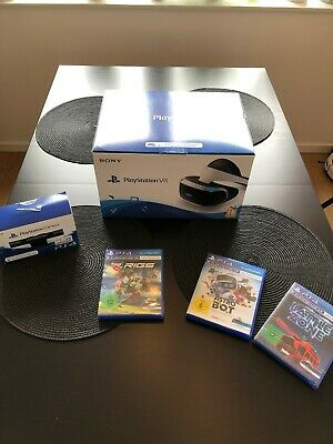 **++Sony PlayStation VR Headset + Camera + Rigs + Astro Bot + Battle Zone++**