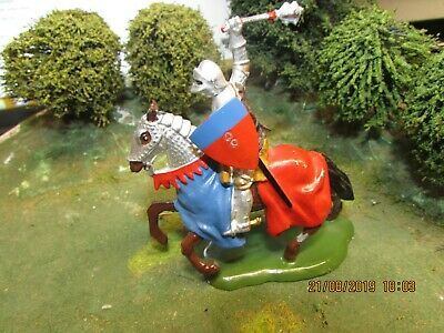 Vintage  Britains Knights Of Agincourt Mounted Medieval Knight With Mace 1:32