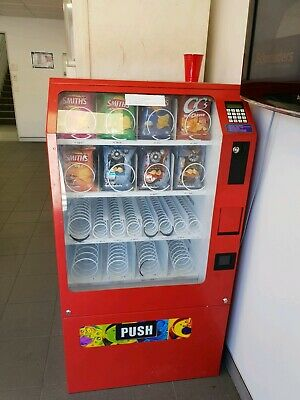Snackmate Snack Vending Machine, incl coin mech.Notereader available for extra