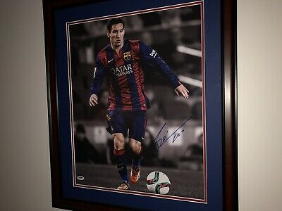 Lionel Messi Authentic Signed 16x20 Framed Photo. FC Barcelona. PSA/DNA