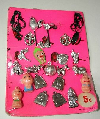 Vending Toy Gum Machine 24 Prizes Metallic Plastic Charms Header Card 1960s