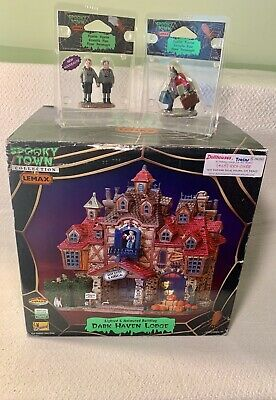 Lemax Spooky Town Dark Haven Lodge #75499 RETIRED~ Spooky Twins & Creepy Bellboy