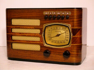 Old Antique Wood Philco Vintage Tube Radio - Restored Working Art Deco Table Top
