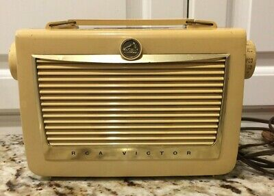 """RCA Victor Radio c1956 With the New Unbreakable """"Impac"""" Case"""