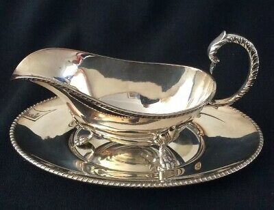 Silver Plated Sauce / Gravy Boat & Saucer.