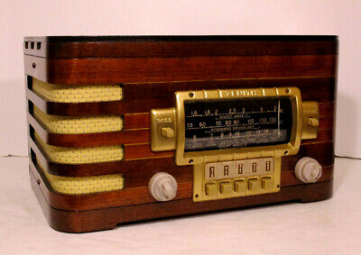 Old Antique Wood Zenith Vintage Tube Radio - Restored & Working w/ Black Dial