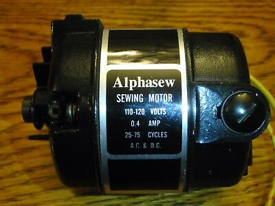 SINGER 221 & 222 Sewing Machine Motor  NEW IN BOX FEATHER WEIGHT