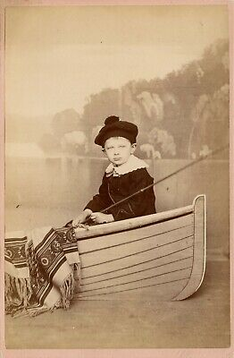 Cute Little Girl Prop Boat Fishing Rod Painted Backdrop Fashion Cabinet Card