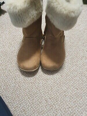 Girls Primark Tan Boots With Fur, Size 5 Infant