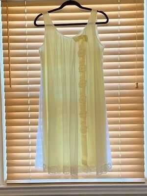 Vintage 1950s Shadowline Yellow Chiffon Babydoll Nightgown. Size Medium