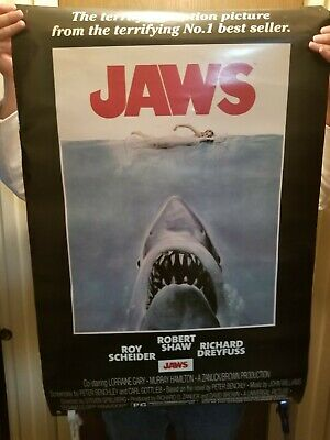 Large1975 JAWS VINTAGE MOVIE POSTER PRINT not double sided corner tear.