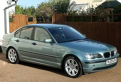 BMW 316i SE 5 SPEED MANUAL, SILVER GREEN METALLIC, PARKING SENSORS, IMMACULATE..