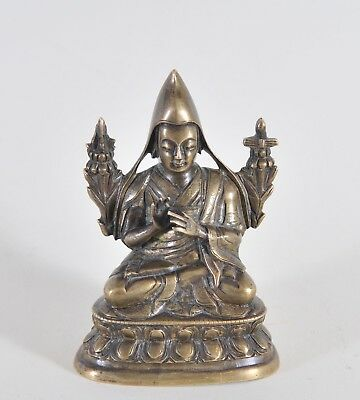 Antique bronze figure of Tsongkhapa, 18th century