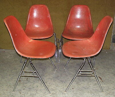 Set of Four Retro Vintage Design Chair the so called Eames DSS Fiberglass,