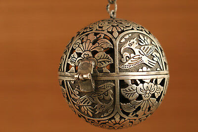 Chinese Old Copper Plating Silver Hand Carved Bird Statue Cricket Cage Netsuke N