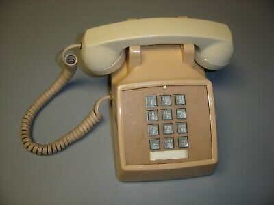 Western Electric Bell System Series 2500 Beige Push Button Desk Set Telephone