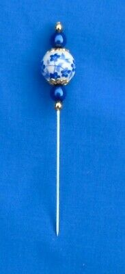 aPRETTY CERAMIC PIN DIVIDER FOR LACEMAKING 'BLUE SPRAY' PAT. NICE SHARP POINT