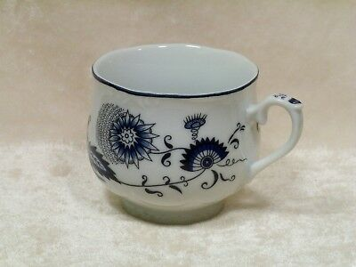 House of Prill Tea Cup / Porcelain / Japan / Blue Onion Design