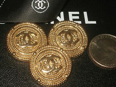💕💕 CHANEL 6 BUTTONS GOLD 24mm , 1'' metal with  cc logo 6 💕💕