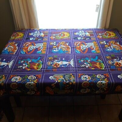 Day of the Dead/Dia de los Muertos Sugar Skulls 118 X 58 Tablecloth