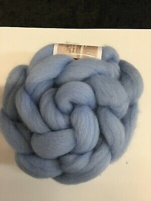 Light blue Shetland wool roving for spinning felting fibre crafts 100 gr