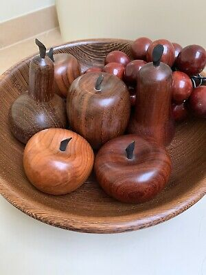 Hand Turned  Terry Harvey. Fab Condition Bowl Complete With 7 Wooden Fruits.