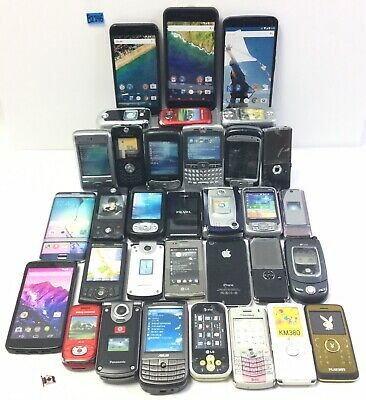 Lot Of 33 Multiple Brands Dummy Fake Toy Prop Various Cell Phones B1146