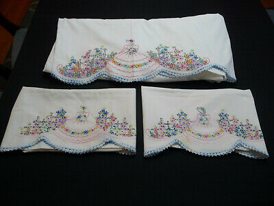 Vintage Set Pillowcases & Sheet w/Embroidered Belle & Crocheted Scalloped Edging