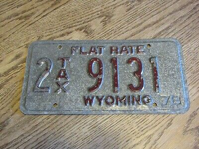 1975 2-Sided Flat Rate Wyoming License Plate 2 TAX 9131 (FC)