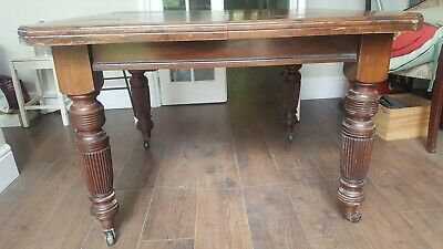 antique,victorian,walnut,dining table,turned legs,castors,dining room,table