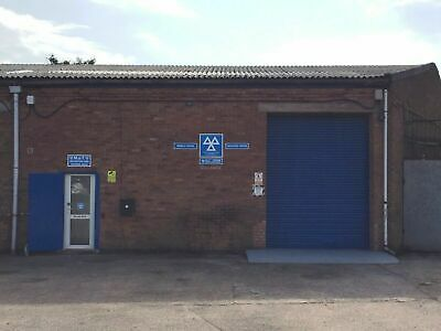 Industrial MOT Equipped Garage Workshop Unit To Rent Nuneaton Office/Reception