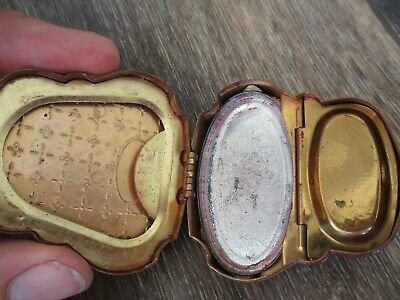"Woodworth ""Fiancee""  Powder Compact GOLD TONE POCKET SIZE RARE"