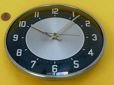 50/60s METAMEC BLACK WALL CLOCK, Vintage CHROME & GLASS, Retro QUARTZ AA BATTERY