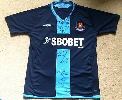 West Ham United Shirt Signed By  Umbro 2009-2010 Medium New