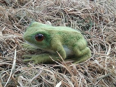 Frog Needle Felt Kit British wool UNBOXED WULYDERMY