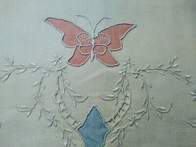 "Beautiful Madeira Butterfly Applique & Embroidered Linen Hand Towel 26""x17.5"""