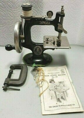 Vtg Singer Sewing Machine no. 20 childs toy 1920's wooden hand crank CI Simanco