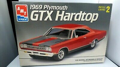 AMT 1969 Plymouth GTX Hardtop Car Model Kit 1/25 Scale Preowned Some Sealed