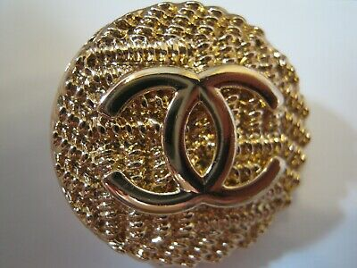 CHANEL 2 BUTTONS GOLD 21mm ,  metal with  cc logo 2