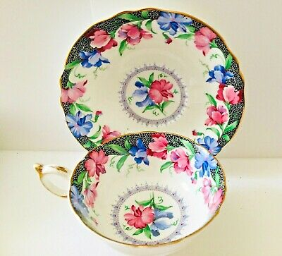 Vintage Paragon * Sweet Pea * Fine Bone China Tea Cup And Saucer * Gorgeous