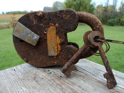 Old Vintage Heavy Cast Iron Pad Lock With Two Keys Yuma Prison
