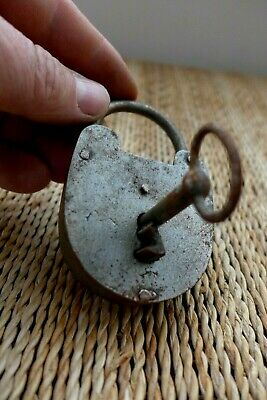 Antique Vintage Padlock with one key, working order, hobby, collector 10-19
