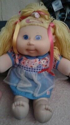 Cabbage Patch Kids Girl - Original Clothes Play Along