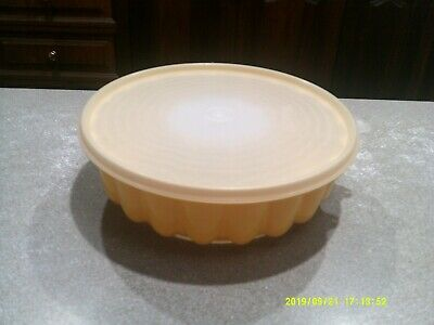 Tupperware Jelly Mould ( VGC ).