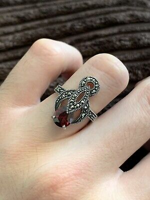 Pretty Sterling Silver Garnet And Marcasite Ring