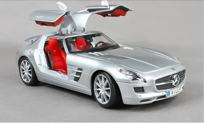 1-18 Scale - Maisto Mercedes-Benz SLS Alloy Diecast Model Car (Silver)