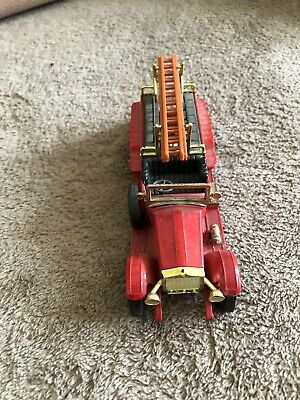ROLLS ROYCE FIRE TRUCK  MATCHBOX  Made in England by Lesney  rot  nr 3