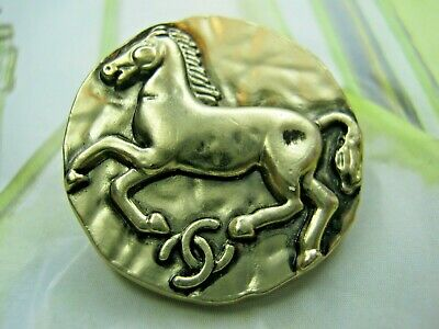 CHANEL 3 BUTTONS antique gold  COLOR METAL 24 mm , 1 inch HORSE with  cc logo