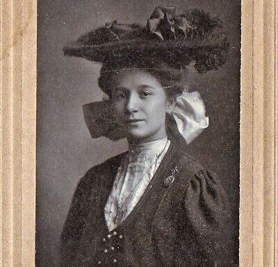 Pretty Girl from Mauch Chunk - Early 1900s Cabinet Photo - S. J. Zeliner